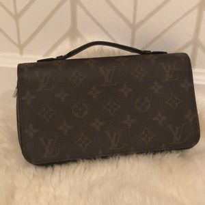 Louis Vuitton Zippy XL in Monogram